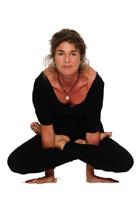 Yoga – en vej til balance af yogalærer Britt Søndergaard